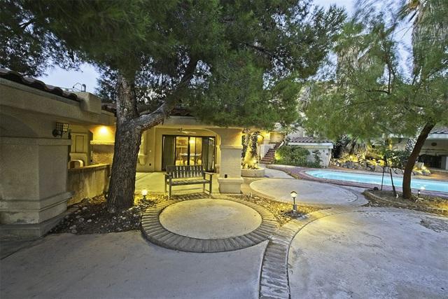 8585 Great House, Yucca Valley CA: http://media.crmls.org/mediaz/FC6BD7B8-49F7-4E52-8F12-8302791F0874.jpg