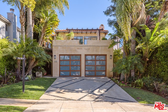 Photo of 938 GALLOWAY Street, Pacific Palisades, CA 90272