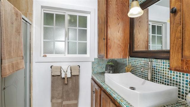 1702 Kingston Drive, Escondido CA: http://media.crmls.org/mediaz/FD825017-4380-4C18-BB45-24939C323353.jpg