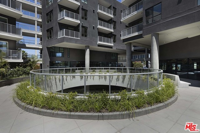 1331 N Cahuenga Boulevard, Los Angeles CA: http://media.crmls.org/mediaz/FDC62824-B805-4686-A7B5-C9204A0B8DFB.jpg