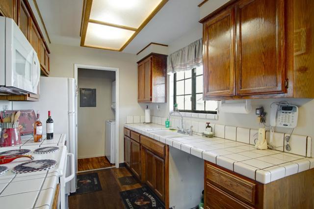 1063 Riker Street, Salinas CA: http://media.crmls.org/mediaz/FE143071-3044-4226-A328-43BCD90AAF58.jpg