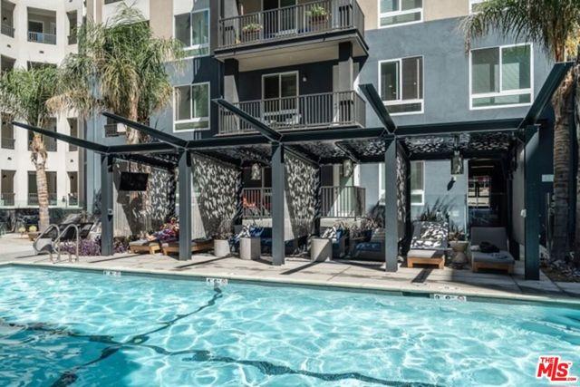 435 Los Feliz, Los Angeles CA: http://media.crmls.org/mediaz/FE2423CD-CADA-4DA7-939E-C6118065F9D8.jpg