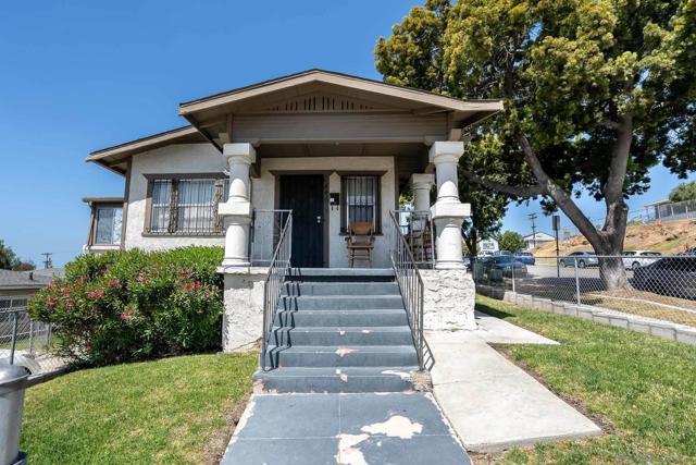 446 30th Street, San Diego CA: http://media.crmls.org/mediaz/FE67982C-ADE4-4413-AFEB-9C4366B79CAF.jpg