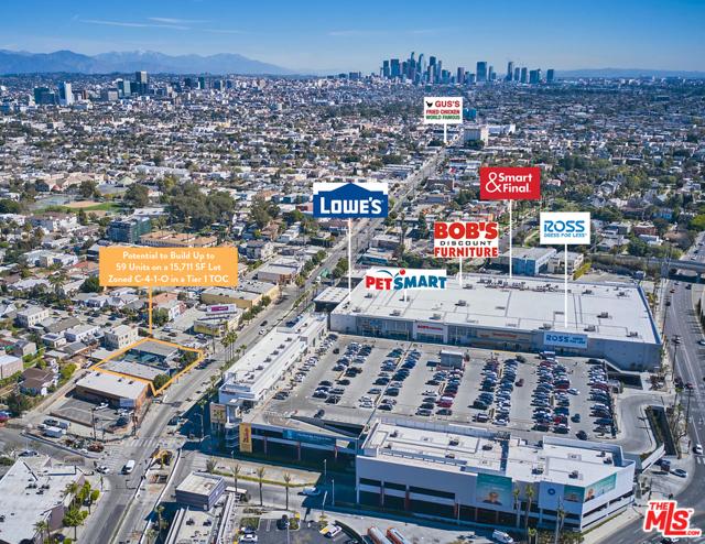 4605 W Pico Boulevard, Los Angeles CA: http://media.crmls.org/mediaz/FE957EA1-8287-4B1C-A315-F3F16668F922.jpg