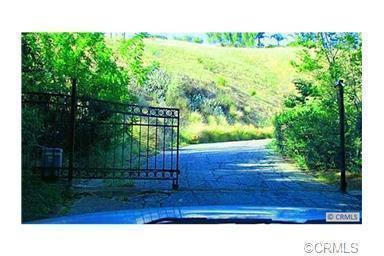 3000 LITRAS Drive, San Bernardino CA: http://media.crmls.org/mediaz/FE96FBF7-0FDE-43DA-86C6-B4FA1AE2E16E.jpg