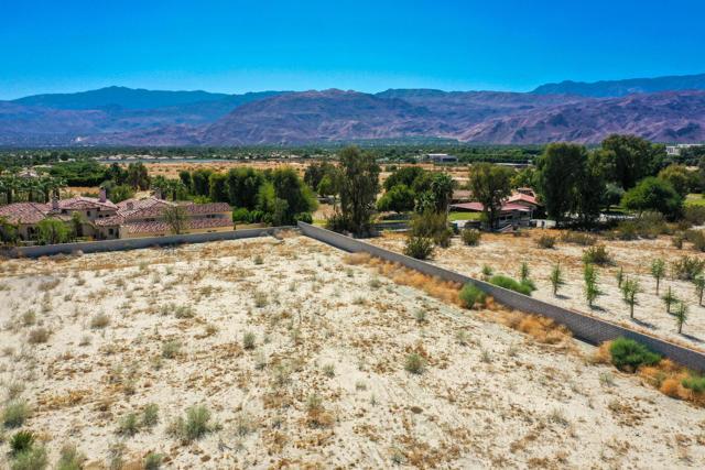 7 Mountain Vista Court, Rancho Mirage CA: http://media.crmls.org/mediaz/FEA624E0-8FAF-4B7C-90A4-B5153225E4D5.jpg