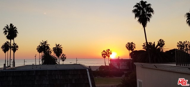 6644 Vista Del Mar Playa del Rey CA 90293