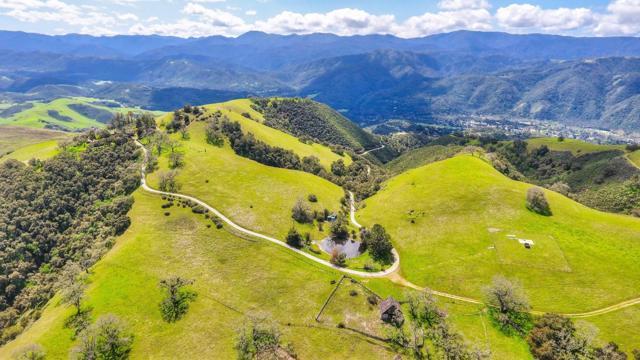 500 El Caminito Road, Carmel Valley CA: http://media.crmls.org/mediaz/FEE52E0F-7034-471C-9EDD-BFEAAC8DE958.jpg