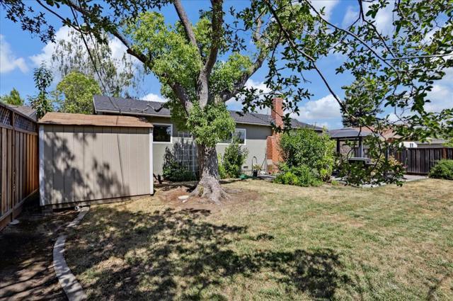 1758 Heron Avenue, Sunnyvale CA: http://media.crmls.org/mediaz/FF1DDB72-3521-47F2-9C58-ED2EFD2F10FE.jpg