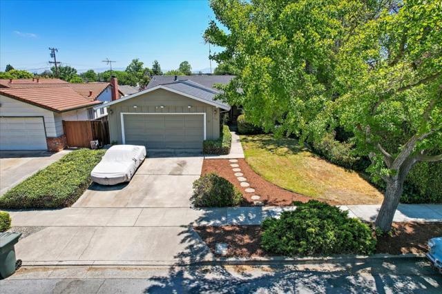 1758 Heron Avenue, Sunnyvale CA: http://media.crmls.org/mediaz/FF24F45E-D305-4A0A-A5C2-0538029A29FE.jpg