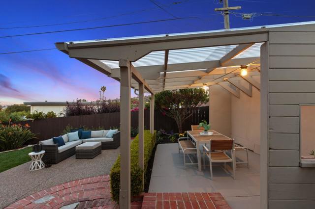 1751 Parkview Drive, San Bruno CA: http://media.crmls.org/mediaz/FF2F22CD-09F1-4337-A873-9952A75F39FD.jpg