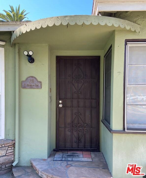 28 E Newman Avenue, Arcadia CA: http://media.crmls.org/mediaz/FF99FD6A-237D-4113-9E7A-A958776A2A17.jpg