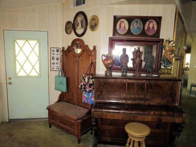 34980 Serenade, Thousand Palms CA: http://media.crmls.org/mediaz/FFB342D1-F8B2-4D5D-8E59-258D4968F5EC.jpg