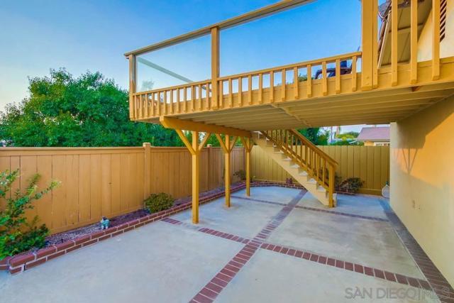 6240 Brynwood Ct, San Diego CA: http://media.crmls.org/mediaz/bcab3026-bb35-48f7-a118-861cf616b3dc.jpg