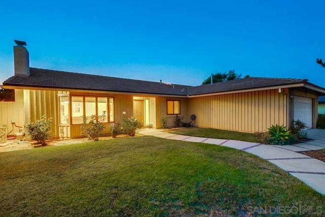 6240 Brynwood Ct, San Diego CA: http://media.crmls.org/mediaz/bd530a3b-aedc-49fa-ba66-7c69bd820f61.jpg