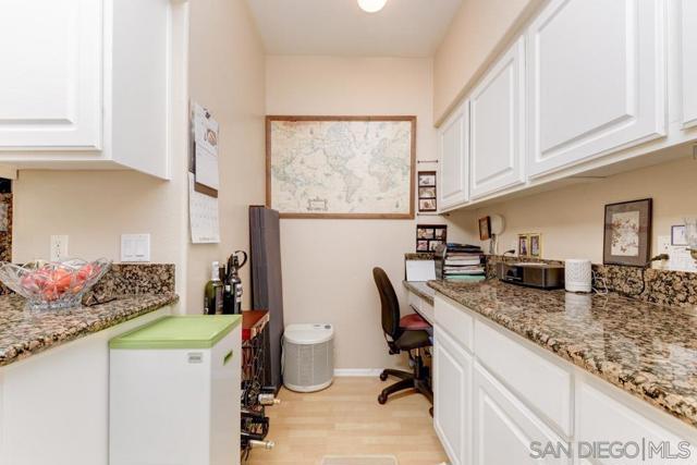 10848 Scripps Ranch Blvd, San Diego CA: http://media.crmls.org/mediaz/e1c9456d-5578-4011-b1f7-0603b9cba3d6.jpg