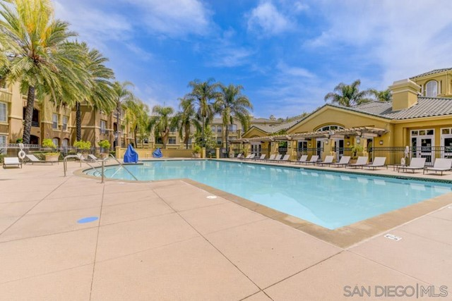 10848 Scripps Ranch Blvd, San Diego CA: http://media.crmls.org/mediaz/e8b1c238-9b21-4680-823c-52341cf512b0.jpg