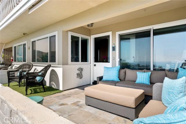 18. 21692 Ocean Vista Drive #C Laguna Beach, CA 92651
