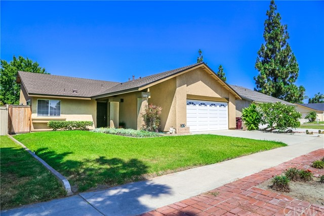 3014 S Douglas Street, Santa Ana, CA 92704
