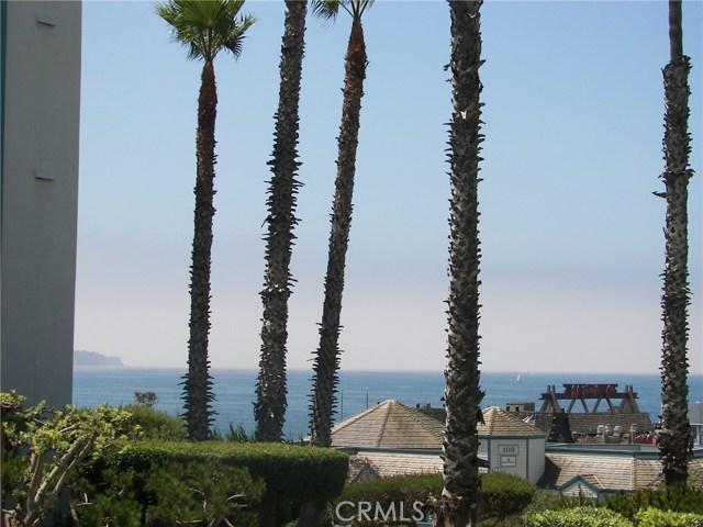 620 THE VILLAGE 111, Redondo Beach, California 90277, 1 Bedroom Bedrooms, ,1 BathroomBathrooms,For Rent,THE VILLAGE,SB18006923