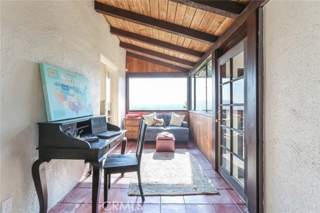 1661 La Cresta Dr, Pasadena, CA 91103 Photo 22
