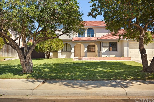 1457 S Idyllwild Avenue, Bloomington, CA 92316