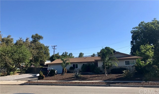 6267 Apple Avenue, Rialto, CA 92377