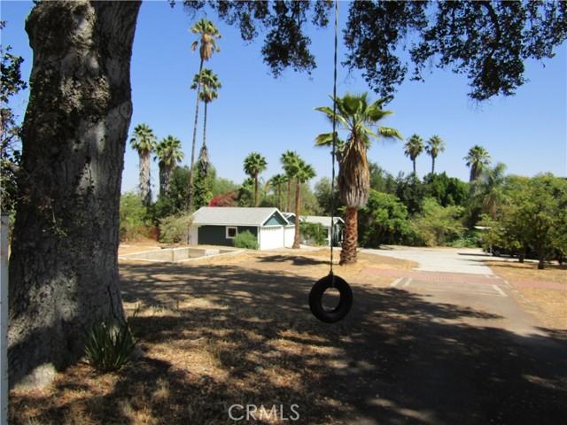 807 E Chase Drive, Corona, CA 92881