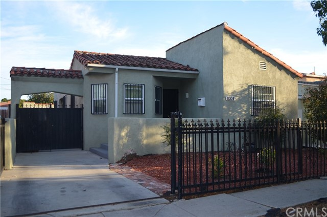 1004 E 82nd Street, Los Angeles, CA 90001