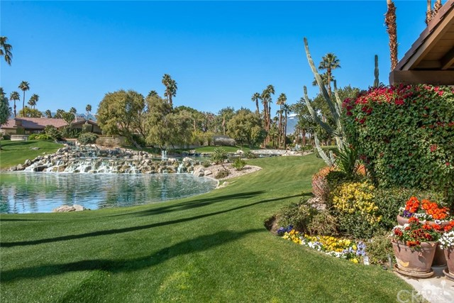 353 Red River Road, Palm Desert, CA 92211