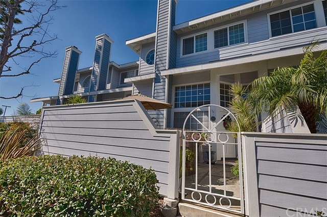19130 Beachcrest Lane C, Huntington Beach, CA 92646
