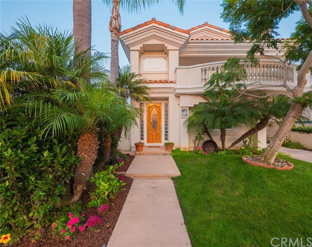 116 Juanita Avenue A, Redondo Beach, California 90277, 3 Bedrooms Bedrooms, ,2 BathroomsBathrooms,For Sale,Juanita,RS20193868