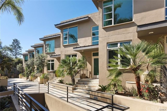 1567 Coast, Laguna Beach, California 92651, 2 Bedrooms Bedrooms, ,2 BathroomsBathrooms,Townhouse,For Lease,Coast,LG19008229