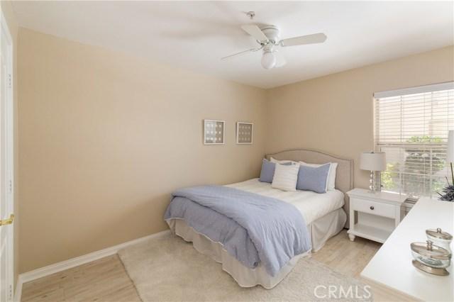 516 Francisca Avenue A, Redondo Beach, California 90277, 4 Bedrooms Bedrooms, ,2 BathroomsBathrooms,For Sale,Francisca,SB19199727