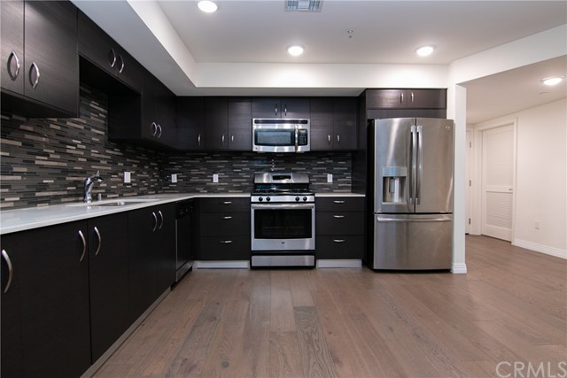5818 Whitsett Avenue 202, Valley Village, CA 91607
