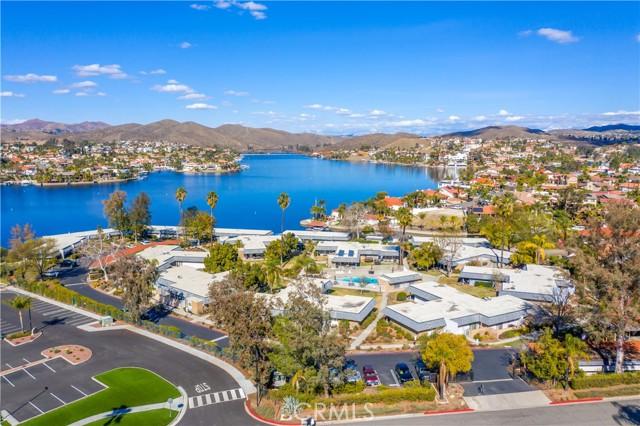 22386 Canyon Club Drive, Canyon Lake CA: https://media.crmls.org/medias/01c3676b-40ed-4f5f-b2f4-665a45ae97db.jpg