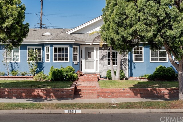 19513 Hinsdale Avenue, Torrance, CA 90503