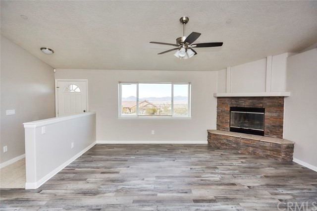 32755 Spinel Rd, Lucerne Valley, CA 92356 Photo 3