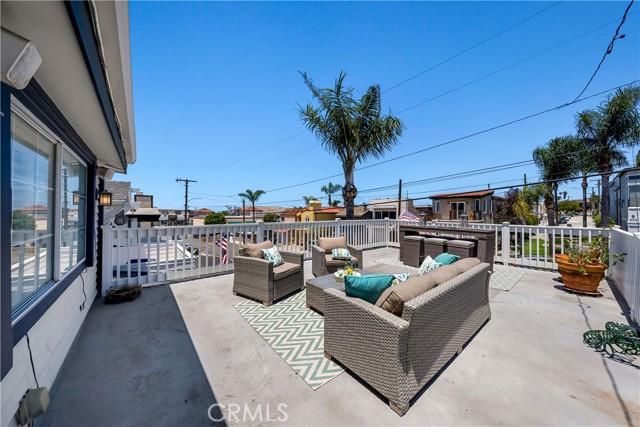 31. 906 3rd Street Hermosa Beach, CA 90254