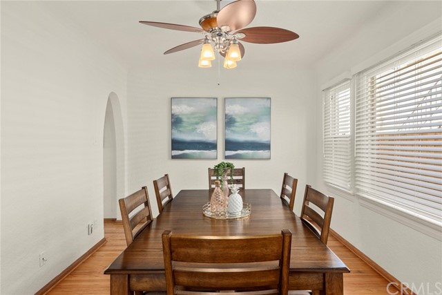 Large dining room perfect for entertaining...