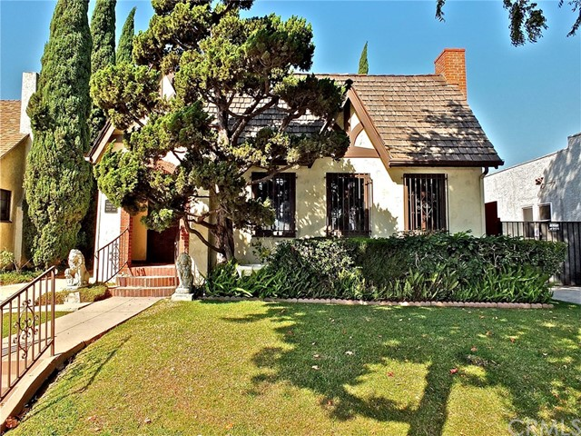 3323 Walnut Avenue, Signal Hill, CA 90755