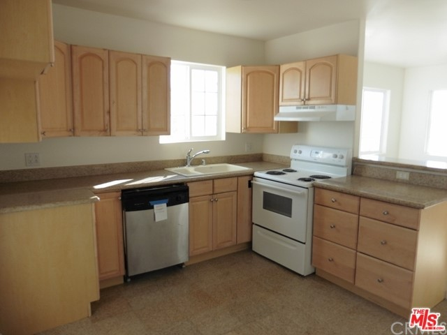 5075 Kickapoo Tr, Landers, CA 92285 Photo 8