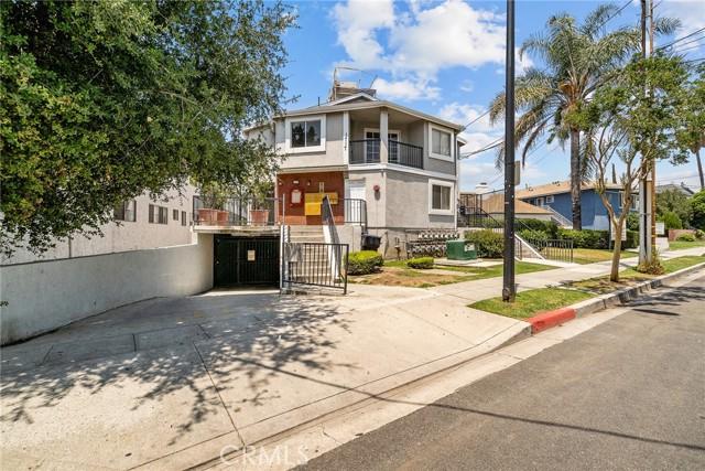 1717 Scott Road 15, Burbank, CA 91504