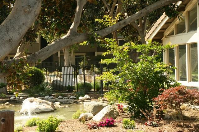 29. 27 Streamwood #27 Irvine, CA 92620