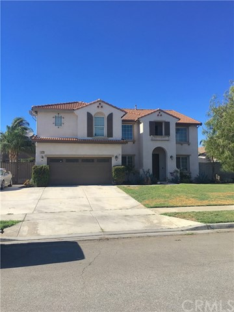 16556 Bayleaf Lane, Fontana, CA 92337