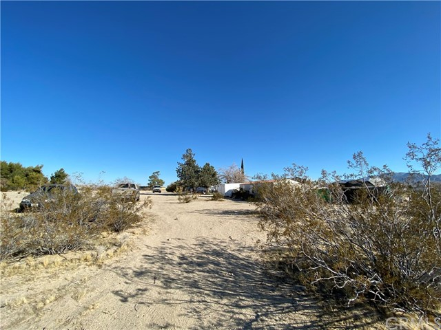 9788 Dusty Ln, Lucerne Valley, CA 92356 Photo 9