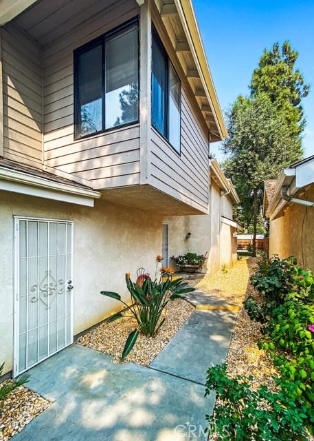 1624 E Castleview, Visalia, CA 93292 Photo 2