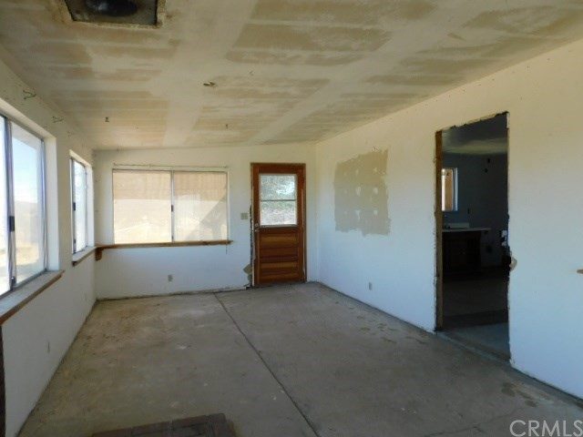 32425 Emerald Rd, Lucerne Valley, CA 92356 Photo 7