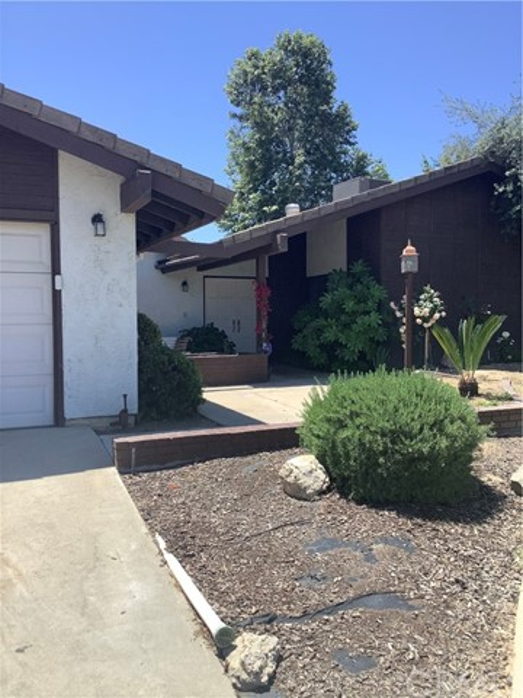 3. 6904 Ranch House Road Bakersfield, CA 93309