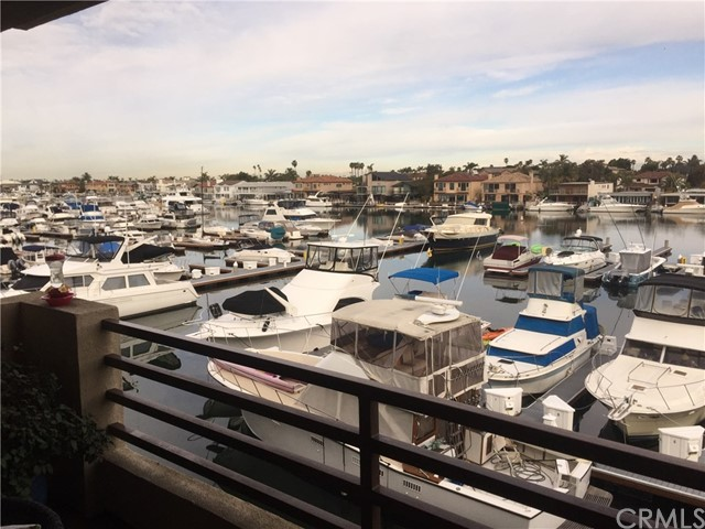 4167 Warner Avenue 203, Huntington Beach, CA 92649